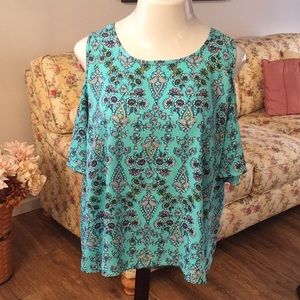 Cold shoulder top in a stunning turquoise